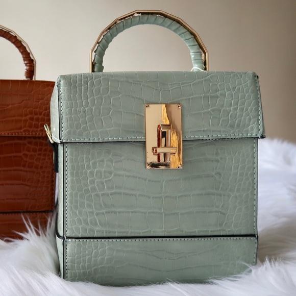 Handbags - ✨HOST PICK✨SHOW ME OFF- CLASSY MINT SATCHEL